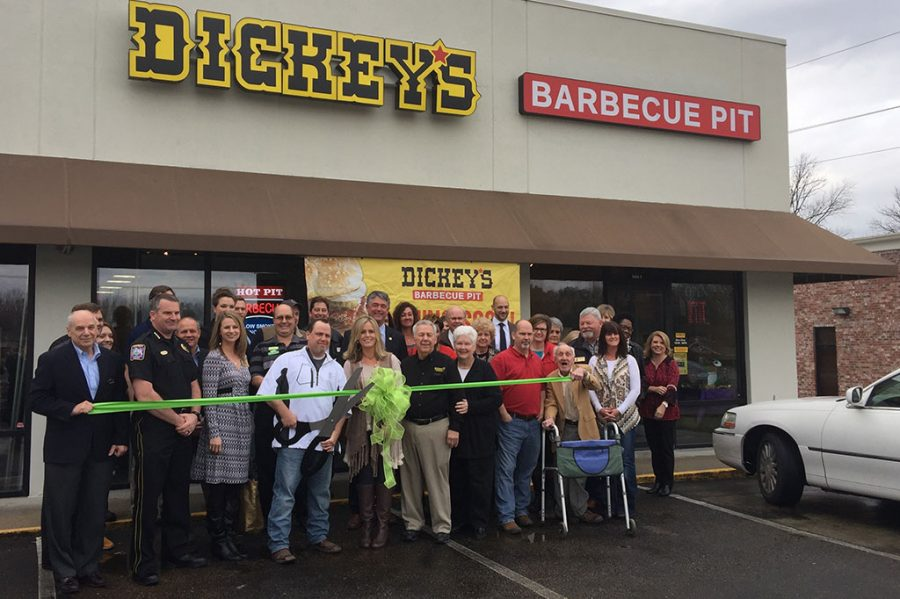 Business-Dickeys-Barbeque-Pit
